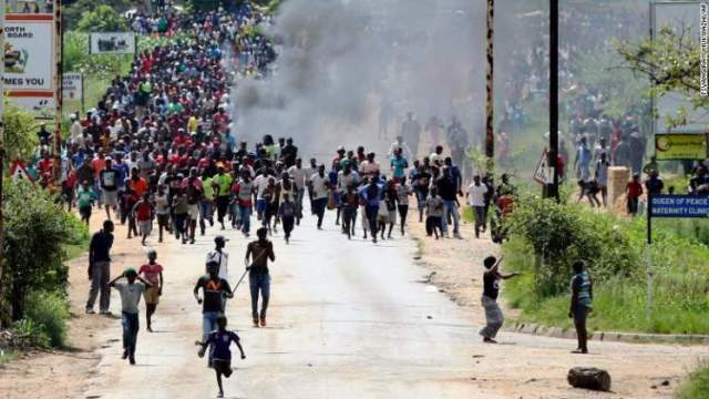 mass-Zim-protests